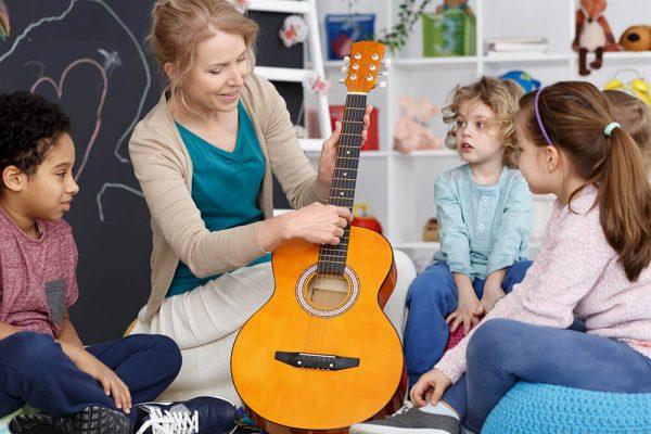play-the-guitar-PMUTALK.jpg